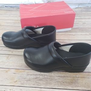 Sanita professional PU Clogs Black